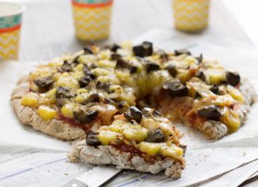 Pizza sans gluten aux aubergines et au fromage végétal (vegan)