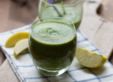 Smoothie vert à la pomme, aux épinards et céleri (vegan)