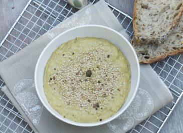 Crème d'asperges vertes à l'amande (vegan)