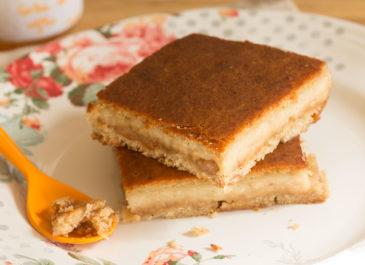 Gâteau à l'amande et purée de fruits (vegan)
