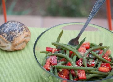 Salade de haricots verts, poivron rouge et graines (vegan, sans gluten)