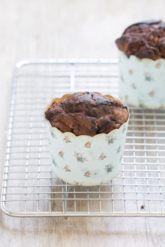 Petits muffins à la farine de souchet et à la myrtille