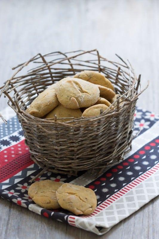 Petits biscuits salés au pois chiche et okara