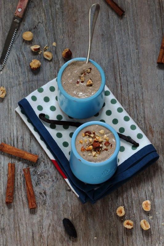 Petites crèmes aux graines de chia, caroube, tonka et cannelle
