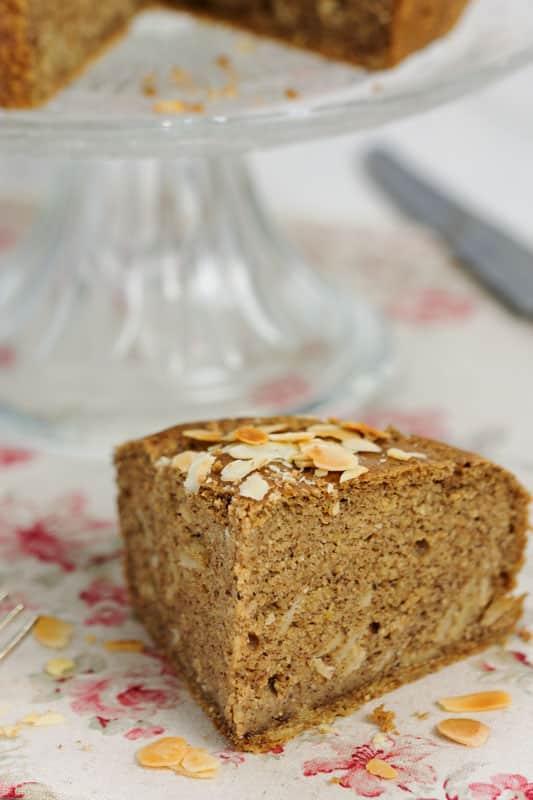 Gâteau à la farine de pois chiche, amandes et mandarine