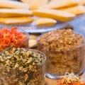 canapés de pois chiche, tartare d'algues, pâté de champignons et crème de poivrons