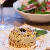 cheesecake de cajou aux olives noires et à la coriandre