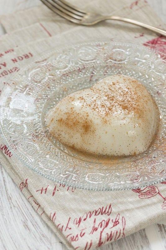 Flan à la noix de coco, coulis de mangue