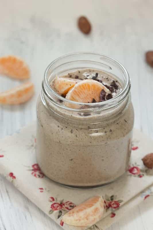 Crème express au lait de noisettes, cacao cru et graines de chia