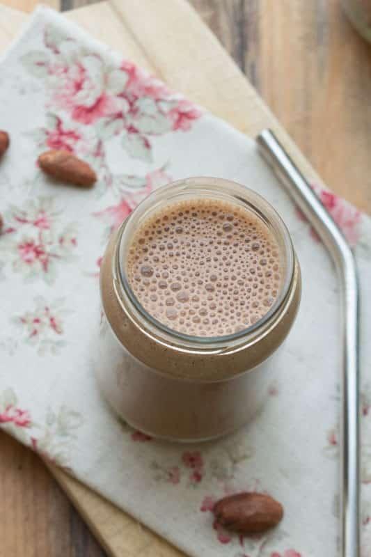 Smoothie ultra gourmand, au cacao cru et maca