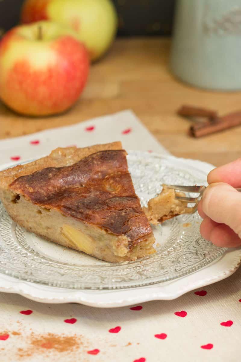 Gâteau moelleux aux kakis et aux pommes