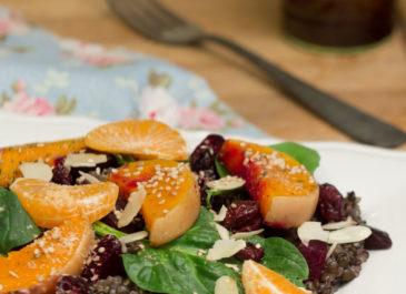 Salade au quinoa et lentilles, butternut rôtie et mandarines (vegan)