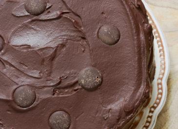 Gâteau au chocolat à étages (vegan)