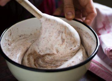 «Passionnément vegan» {et sa recette de mousse au chocolat au jus de pois chiche}