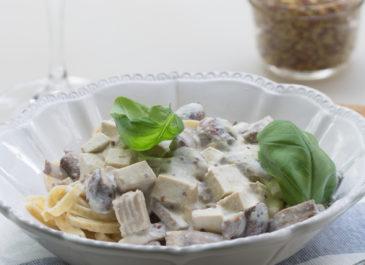 Pâtes aux champignons et tofu fumé (vegan)