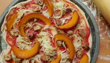 Pizza au potimarron, aux marrons et oignon (vegan)