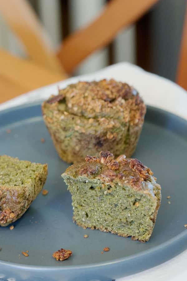 Muffins au thé matcha et au granola