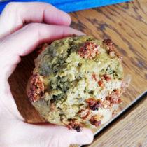 Muffins au thé matcha et granola