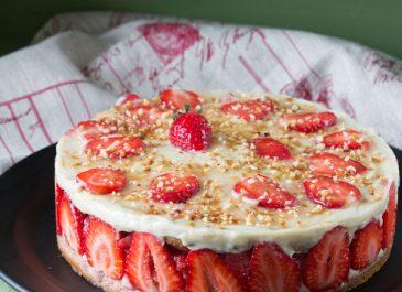 Entremets fraises et rhubarbe (vegan, sans gluten)