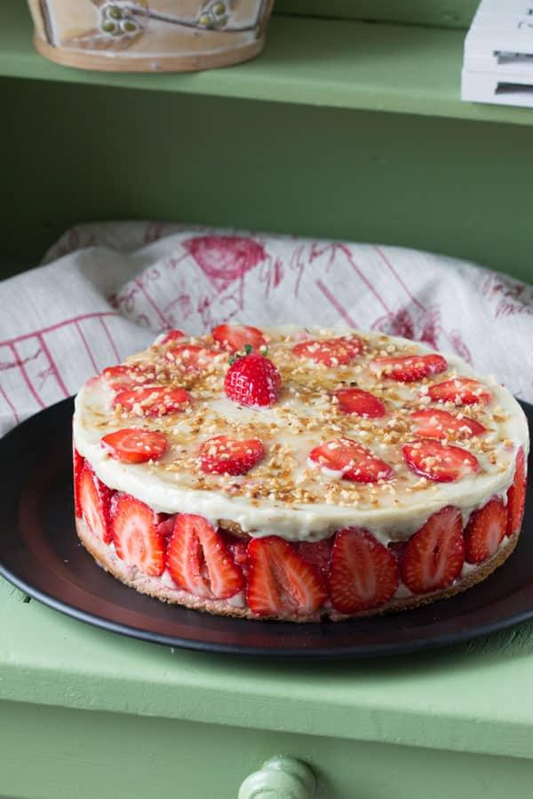 Entremets fraises et rhubarbe
