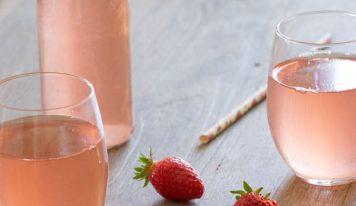 Sirop de fraises maison ~ et une recette bonus de muffins (vegan, sans gluten)