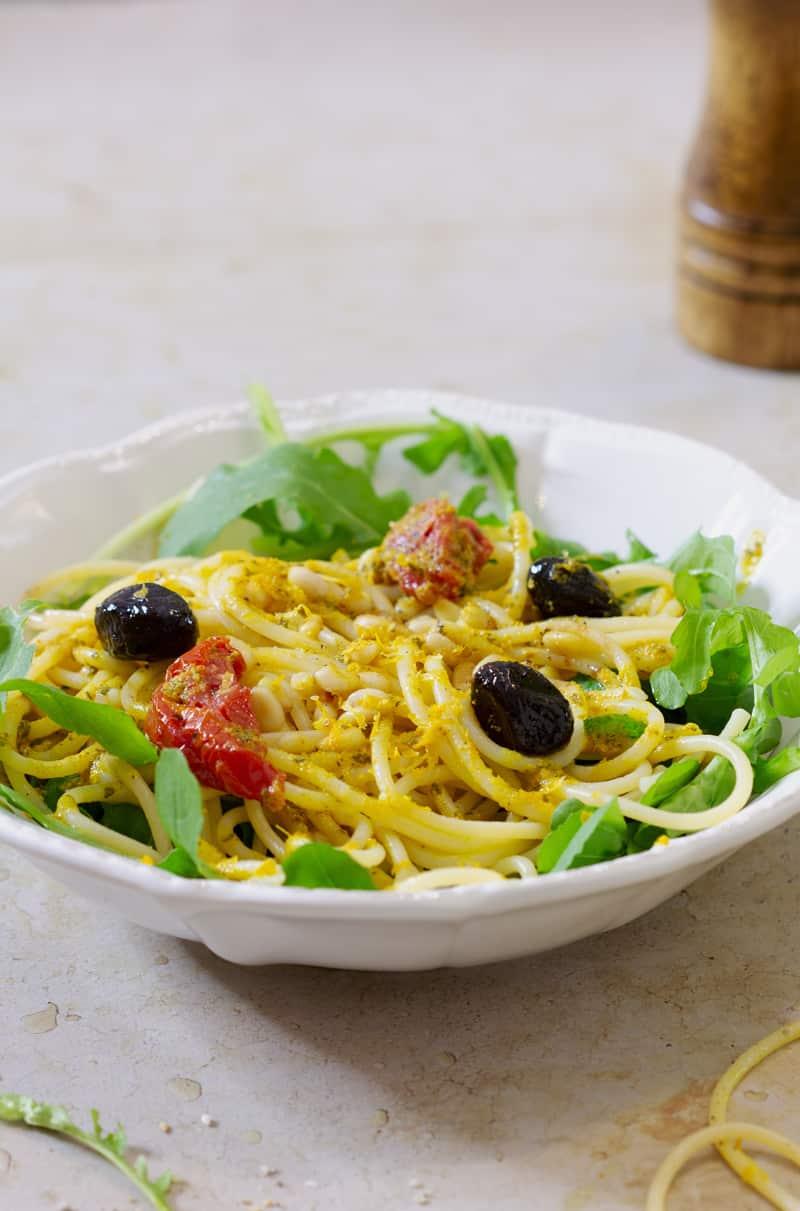 Spaghetti roquette pignons citron