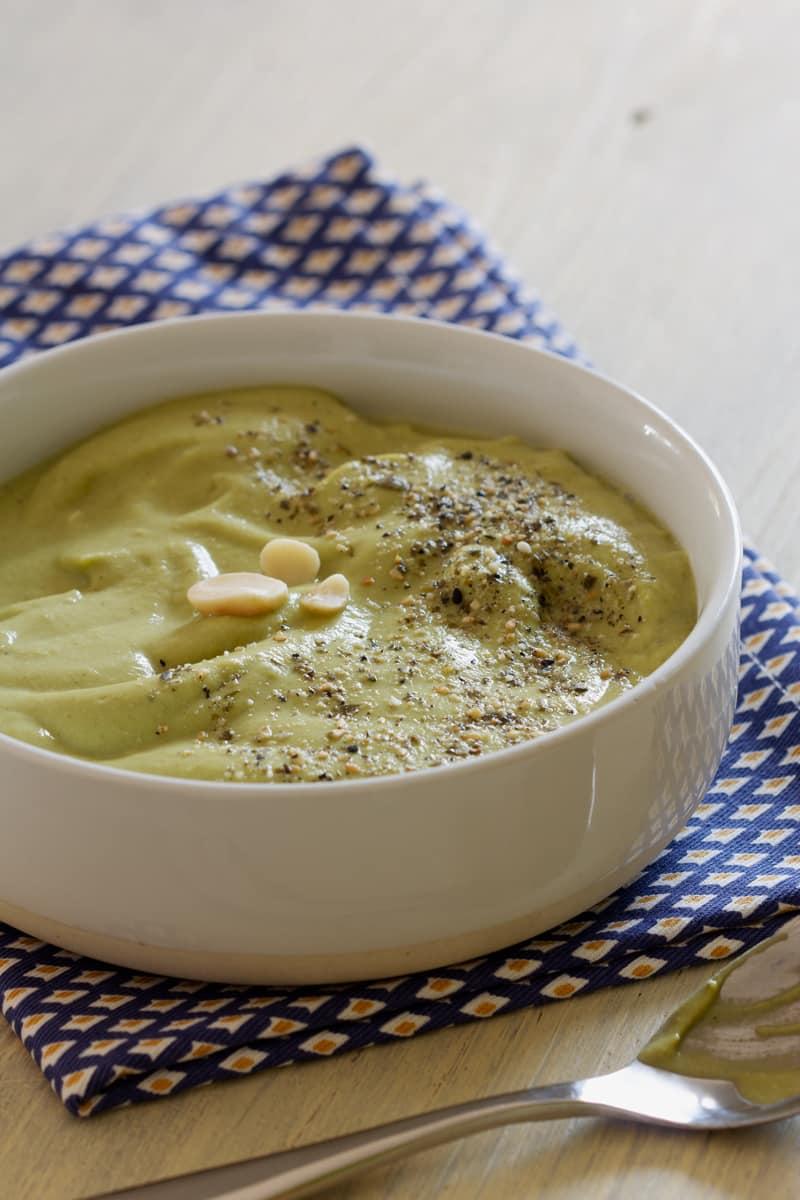 Velouté de brocoli macadamia